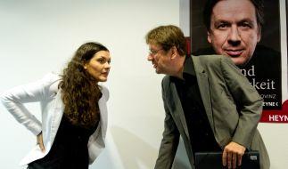 """Jörg Kachelmann und seine Frau Miriam Kachelmann vor der Vorstellung ihres gemeinsamen Buches """"Recht und Gerechtigkeit"""" auf der Buchmesse in Frankfurt am Main (2012). (Foto)"""