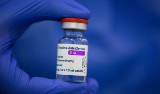 Die Diskussionen um den Corona-Impfstoff von AstraZeneca reißen nicht ab. (Foto)