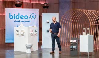 """Thorsten Homma aus Elmenhorst präsentiert mit """"Bideo"""" einen Toilettenpapier-Befeuchter. Er erhofft sich ein Investment von 100.000 Euro für 20 Prozent der Anteile an seinem Unternehmen. (Foto)"""