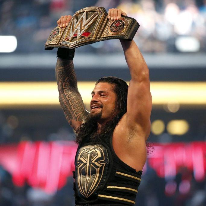 So lebt der WWE-Superstar mit Frau und 5 Kindern abseits des Rings (Foto)