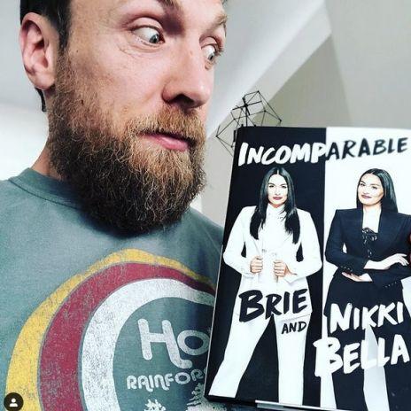 Glücklich mit Frau Brie und zwei Kindern! So lebt der WWE-Superstar (Foto)
