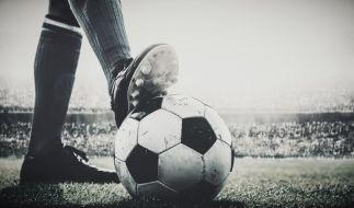 Die Fußballwelt trauer um Frank Worthington. (Foto)