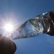 Vorsicht! DIESES Mineralwasser sollten Sie nicht trinken (Foto)