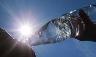 Gesundheitsgefahr: Ein Mineralwasser wird aktuell zurückgerufen. (Symbolfoto) (Foto)