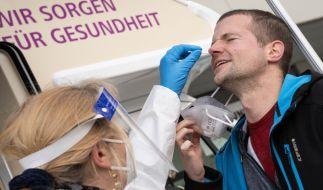"""Die aktuelle Pandemie-Situation in Deutschland - am 29. März wurden knapp 9.900 Coronavirus-Neuinfektionen binnen 24 Stunden gemeldet - wird von Experten mit einem """"Pulverfass"""" verglichen. (Foto)"""