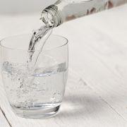 Nicht trinken! Finger weg von DIESEM Mineralwasser (Foto)