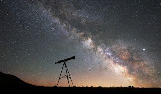 Im April dürfen sich Hobbyastronomen auf einige Highlights am Himmel freuen. (Foto)