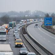 Die aktuelle ADAC-Stauprognose verrät, ob und wie voll es auf den Autobahnen an Ostern wird. (Foto)