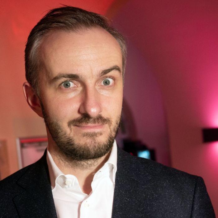 Jan Böhmermann fordert Knallhart-Lockdown JETZT (Foto)