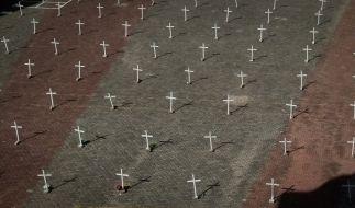 Mehr als 4000 Menschenleben forderte die Corona-Pandemie an einem Tag in Brasilien. P1 trifft auch junge Menschen schwer. Epidemiologen warnen vor einer Verbreitung der gefährlichen Variante. (Foto)