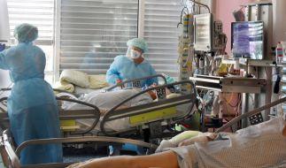 Auf der Intensivstation vom Universitätskinikum Leipzig wächst die Zahl der Corona-Erkrankten mit schweren Verläufen. (Foto)