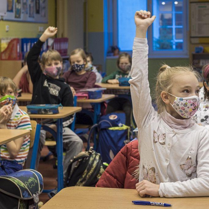 Keine Masken und Tests an Schulen! Brisantes Corona-Urteil aus Weimar schockiert (Foto)