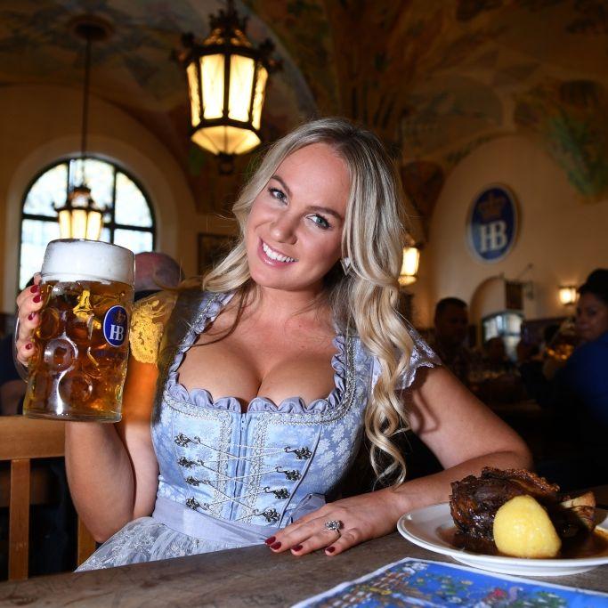 Heiße Kurven! Doch was bringt Kathie Von Due privat auf Touren? (Foto)