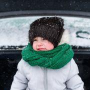 Mutter lässt Kinder bei klirrendem Frost im Auto - Mädchen erfroren! (Foto)