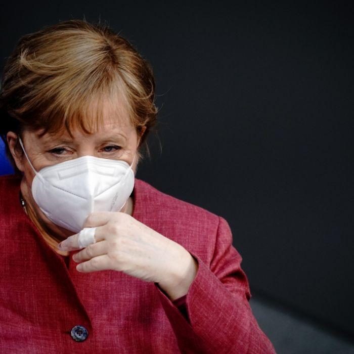 Bundestags-Juristen laufen Sturm gegen Merkels Bundes-Lockdown (Foto)