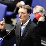 Privatauto von SPD-Politiker beschmiert! Twitter verurteilt feigen Angriff (Foto)