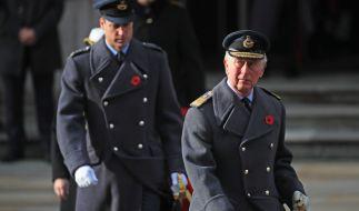 In ihren Händen liegt die Zukunft der britischen Monarchie: Prinz Charles (re.) und Prinz William. (Foto)