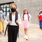 """""""Wir lassen Sie im Regen stehen!"""" Politiker fordern Unterricht im Freien (Foto)"""