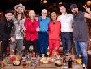 Gastgeber Johannes Oerding, Ian Hooper, DJ BoBo, Stefanie Heinzmann, Nura, Joris und Gentleman. (Foto)