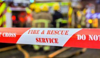 Das Haus einer 83-jährigen Frau wurde mit einer Feuerbombe in Brand gesteckt - die Seniorin starb bei dem Versuch, durch einen Fenstersprung den Flammen zu entkommen (Symbolbild). (Foto)
