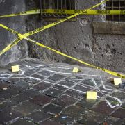 Suizid oder Verbrechen? Edelprostituierte stürzt aus 8. Stock in den Tod (Foto)