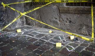 Der Tod einer Edelprostituierten durch einen Sturz aus dem 8. Stock war offiziell ein Selbstmord - doch die Hinterbliebenen haben eine andere Theorie. (Foto)