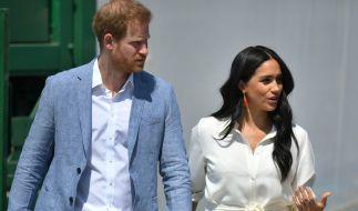 Im britischen Königshaus soll die Freude über den Abschied von Prinz Harry und Meghan Markle mit Händen zu greifen sein. (Foto)