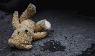Einem Briten, der sich in Spanien als Lehrer ausgab, wird sexueller Kindesmissbrauch in 36 Fällen vorgeworfen (Symbolbild). (Foto)