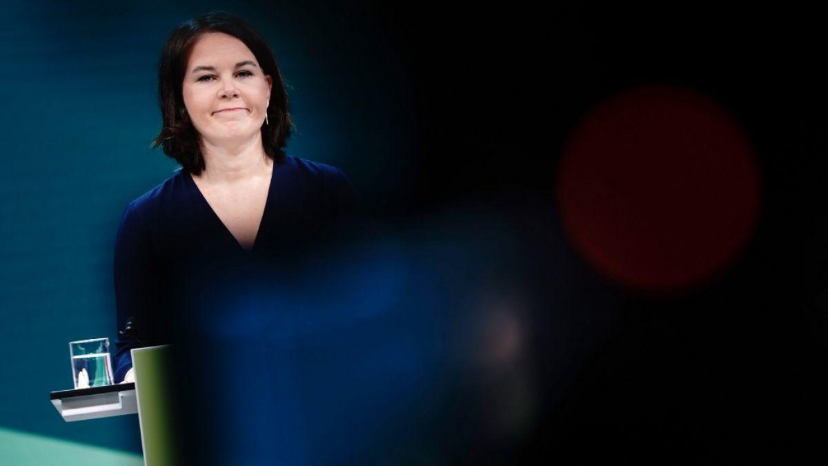 Lena nackt anna baerbock German politics: