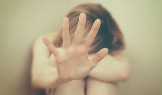 Eine 14-Jährige wurde am helllichten Tag in einem Park missbraucht. (Foto)
