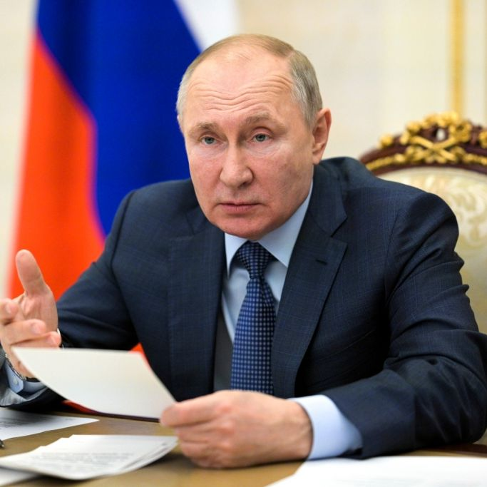 Neue Mega-Rakete enthüllt! Kreml-Chef schürt Kriegsängste (Foto)