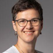 Dr. med. Franziska Wiesent ist Fachärztin für Innere Medizin mit Schwerpunkt Rheumatologie und Zusatzbezeichnung Akupunktur am Endokrinologikum München