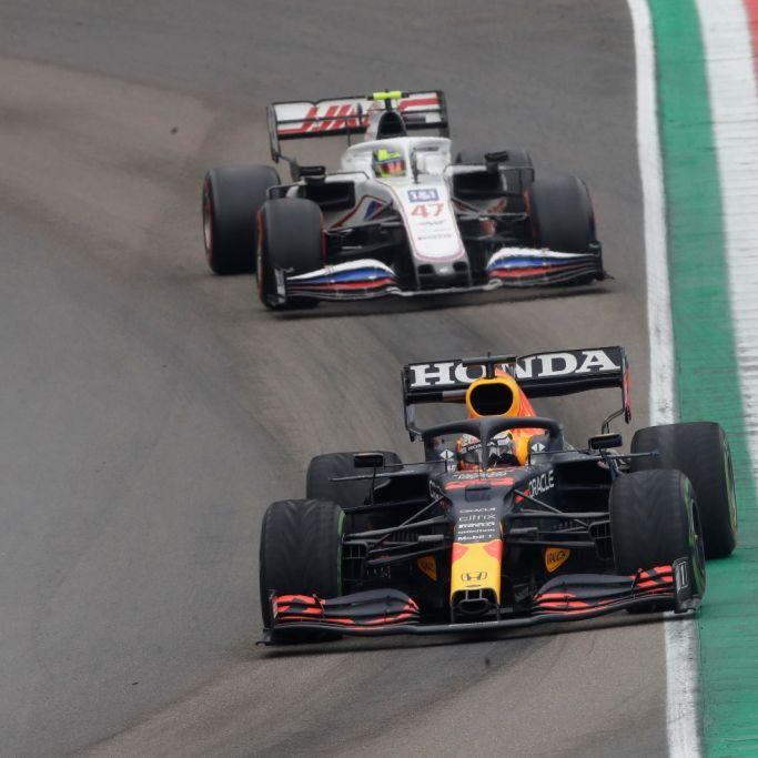 Hamilton gewinnt Rennen in Portugal vor Verstappen (Foto)