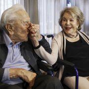 Witwe von Kirk Douglas mit 102 Jahren gestorben (Foto)