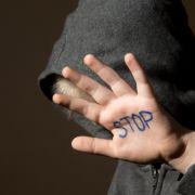 Rapper vergewaltigt Kleinkind im Live-Stream - Knast! (Foto)