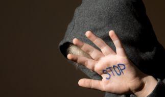 Ein britischer Rapper wurde wegen Kindesmissbrauchs zu 15 Jahren Haft verurteilt. (Foto)