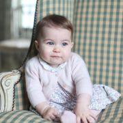 Der ganze Stolz von Herzogin Kate: Prinzessin Charlotte mit einem halben Jahr auf Anmer Hall, dem Landsitz von Kate Middleton und Prinz William.