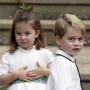 Prinzessin Charlotte und ihr Bruder Prinz George stahlen Prinzessin Eugenie von York und ihrem Mann Jack Brooksbank bei ihrer Hochzeit im Oktober 2018 als Blumenkinder glatt die Schau.