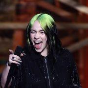 Fans unter Schock! Sängerin (19) posiert in Lack-Dessous (Foto)
