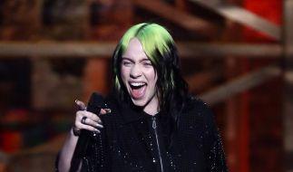 Kürzlich überraschte Billie Eilish mit blonden Haaren. Nun legte sie nach. (Foto)