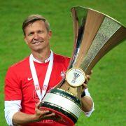 Jesse Marsch mit ÖFB-Pokal.