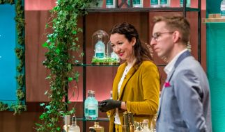 Stella-Oriana Strüfing und Christian Zimmermann von Laori kämpfen bei DHDL um einen Deal. (Foto)