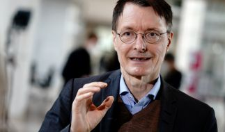 Karl Lauterbach sieht Öffnungen für Geimpfte und Genesene kritisch. (Foto)