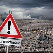 Sturmtief Eugen fegt über Deutschland. Erste Schäden wurden bereits registriert.