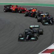 Hamilton gewinnt Rennen in Barcelona vor Verstappen (Foto)