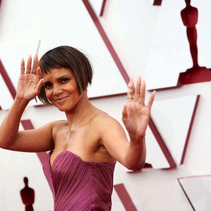 Als heiße Raubkatze versext die Schauspielerin ihre Fans (Foto)