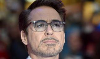 US-Schauspieler Robert Downey Jr. nimmt Abschied von seinem langjährigen Assistenten. (Foto)