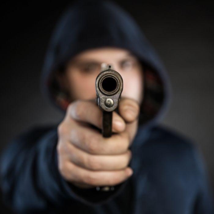 Mann platzt in Geburtstagsparty, erschießt sechsköpfige Familie und sich selbst (Foto)