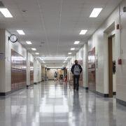 Mehrere Schulkinder sterben bei Attacke auf Schule (Foto)