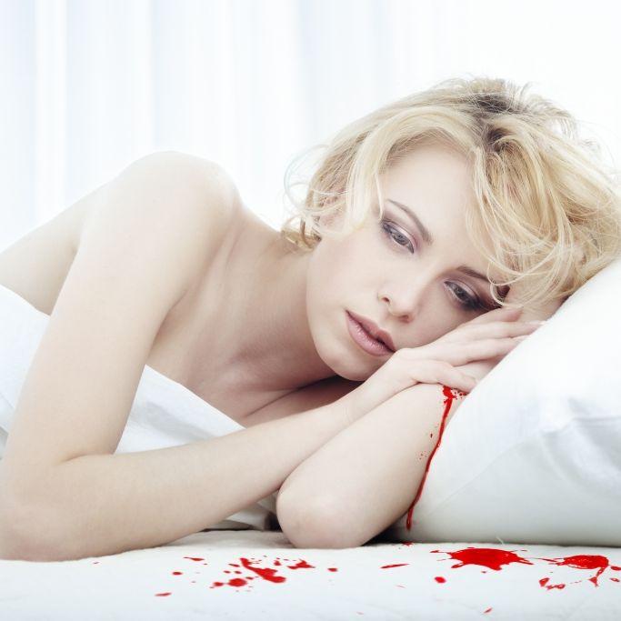 Nächtliche Blutdusche! Leichenflüssigkeit sickerte durch Zimmerdecke (Foto)